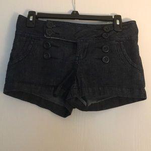 Pin up like jean shorts